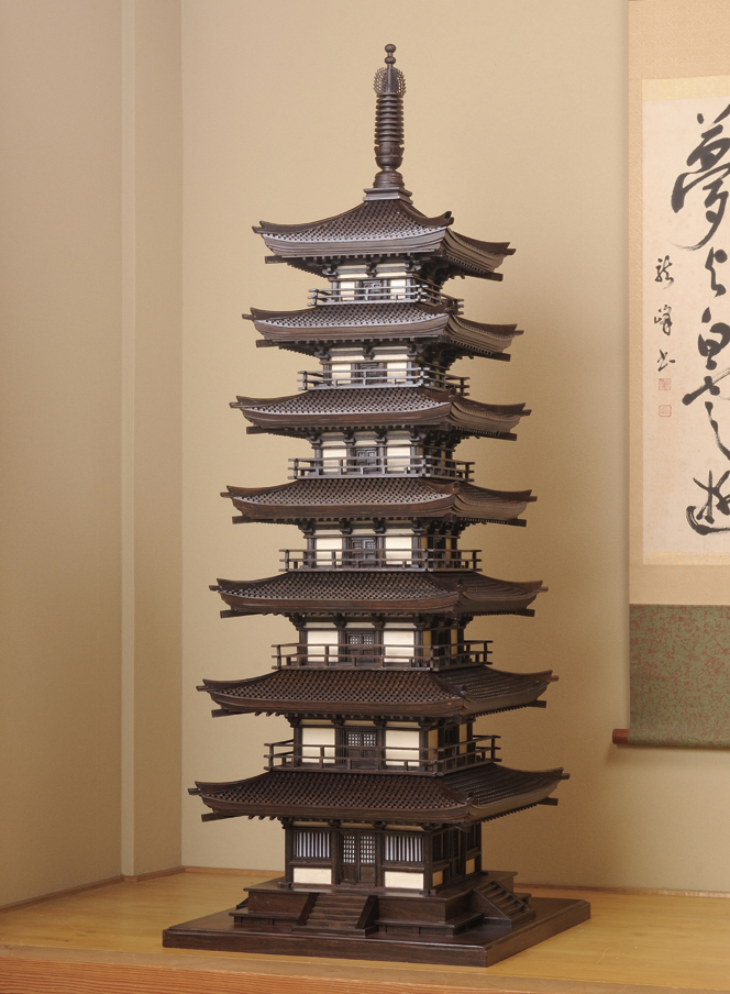 黒檀『七重塔』細密木彫の俊英王栄華【通販・販売】