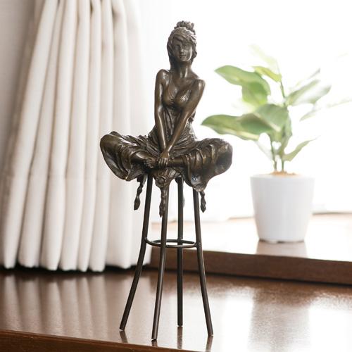 林良慶 ブロンズ『脚を組む乙女』【女性像】【通販・販売】