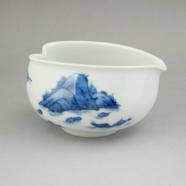 プレゼント贈り物ギフトにおすすめ ●日本正規品● 京焼 清水焼 染付山水之図湯冷まし 藍一色の山水画が描かれた湯冷まし 出群