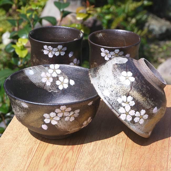 京焼  清水焼 花かがり夫婦湯呑と夫婦茶碗セット 八幡