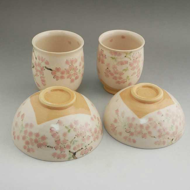 京焼 清水焼 色絵桜夫婦湯のみと夫婦茶碗セット 陶仙