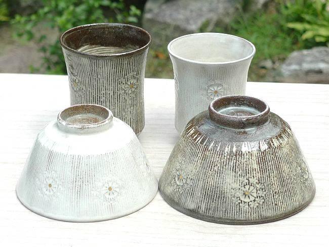 京焼  清水焼 櫛目印花夫婦湯のみと夫婦茶碗セット 花月