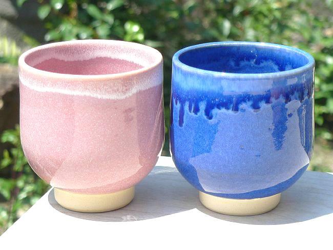 プレゼント贈り物ギフトにおすすめ 京焼 清水焼 深い藍色とつややかなピンクが美しい 贈り物 品質保証 青とピンク夫婦湯飲み 大の組