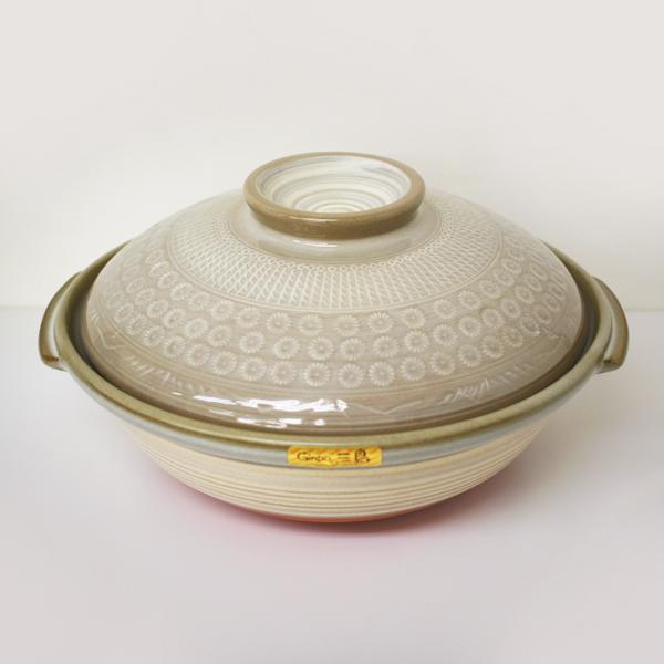 遠赤外線効果で 食材を一層美味しくします日本製 萬古焼の土鍋 (訳ありセール 格安) 銀峯陶器 激安卸販売新品 京三島 浅型土鍋 11号ギフト プレゼント SSK01
