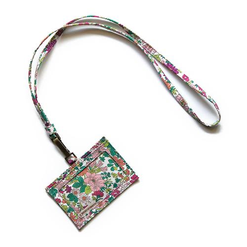 お手持ちのロングネックレスにも使える IDカードケース: おしゃれ かわいい:リバティ メーカー公式 『4年保証』 ラズベリー エミリー IDカードホルダー パスケース
