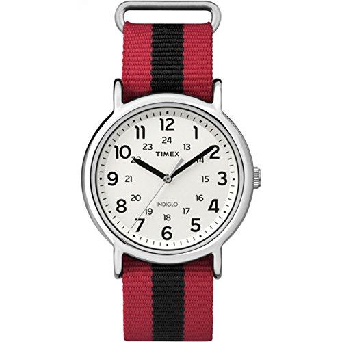 タイメックス 腕時計 メンズ TW2P68000 【送料無料】Timex Unisex TW2P68000 Weekender Red/Black Stripe Nylon Slip-Thru Strap Watchタイメックス 腕時計 メンズ TW2P68000