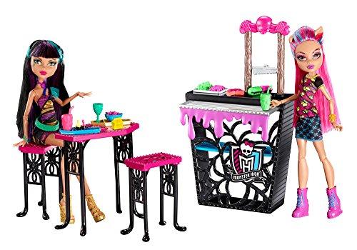 モンスターハイ 人形 ドール CBX75 【送料無料】Monster High Creepteria with Cleo de Nile and Howleen Wolf Dollモンスターハイ 人形 ドール CBX75