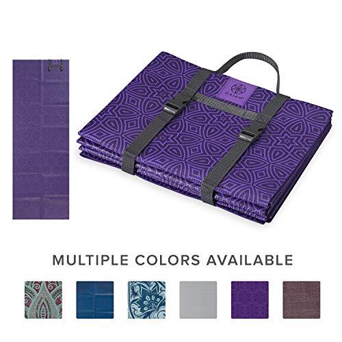 ヨガマット フィットネス 05-62553 Gaiam Yoga Mat Foldable Travel Exercise & Fitness Mat with Built-In Carrying Handle for All Types of Yoga, Pilates & Floor Exercises, Grape Mandala, 2mmヨガマット フィットネス 05-62553