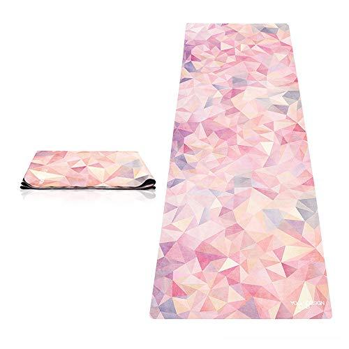 ヨガマット フィットネス 【送料無料】The Combo Yoga Mat 1 mm. Travel Version. Lightweight, Ultra-Foldable, Non-Slip, Mat/Towel Designed to Grip Better w/Sweat! Machine Washable, Eco-Friendly. Just Fold & Go! (Kaleidoscopeヨガマット フィットネス