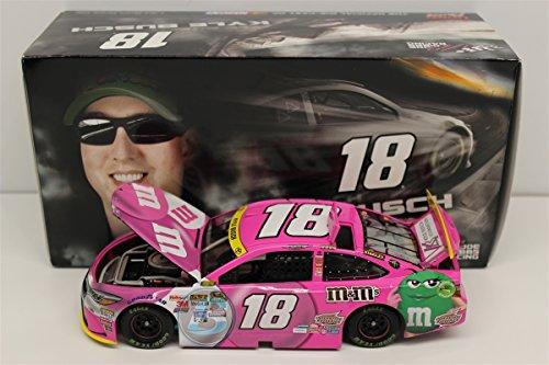 ライオネルレーシング ミニカー 模型 アメリカ 【送料無料】Lionel Racing Kyle Busch 2015 M&M's Paint The Track Pink 1:24 Nascar Diecastライオネルレーシング ミニカー 模型 アメリカ