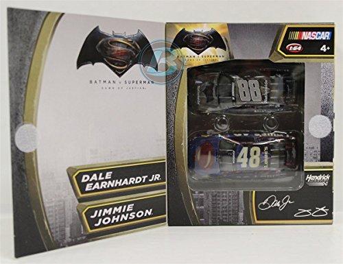 ライオネルレーシング ミニカー 模型 アメリカ 【送料無料】Dale Earnhardt Jr/Jimmie Johnson 2016 Batman vs Superman 2 Pack Set 1:64 Nascar Diecastライオネルレーシング ミニカー 模型 アメリカ