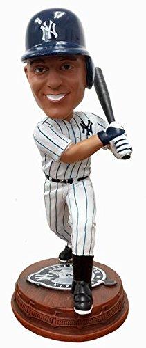ボブルヘッド バブルヘッド 首振り人形 ボビンヘッド BOBBLEHEAD 【送料無料】Forever Collectibles Derek Jeter New York Yankees Derek Jeter Day Logo Base Bobblehead MLBボブルヘッド バブルヘッド 首振り人形 ボビンヘッド BOBBLEHEAD