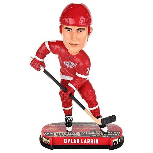 ボブルヘッド バブルヘッド 首振り人形 ボビンヘッド BOBBLEHEAD Forever Collectibles NHL Detroit Red Wings Dylan Larkin Newspaper Bobbleheadボブルヘッド バブルヘッド 首振り人形 ボビンヘッド BOBBLEHEAD