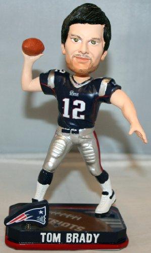 ボブルヘッド バブルヘッド 首振り人形 ボビンヘッド BOBBLEHEAD 【送料無料】Forever Collectibles Tom Brady New England Patriots NFL 2014 Springy Logo Bobblehead Figurineボブルヘッド バブルヘッド 首振り人形 ボビンヘッド BOBBLEHEAD