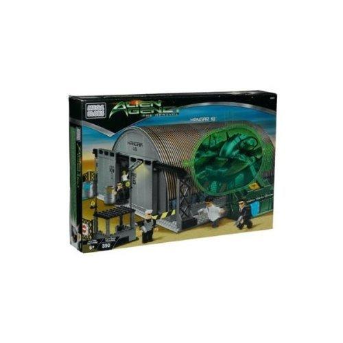メガブロック メガコンストラックス 組み立て 知育玩具 Mega Bloks Alien Agency The Arrival Hangar 18 Playset #5621, 390 Piecesメガブロック メガコンストラックス 組み立て 知育玩具