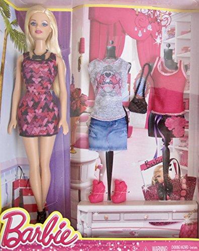 無料ラッピングでプレゼントや贈り物にも。逆輸入・並行輸入多数 バービー バービー人形 日本未発売 Barbie Doll  Fashions Set w Denim Skirt, 2 Tops, Dress, 2 Pairs of Shoes, Purse  More (2013)バービー バービー人形 日本未発売