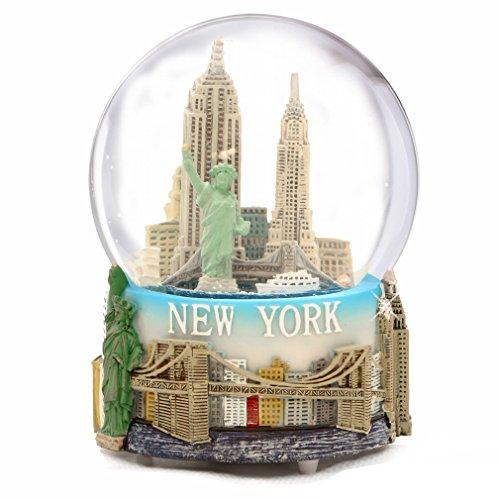 スノーグローブ 雪 置物 インテリア 海外モデル 【送料無料】Musical New York City Snow Globe with Statue of Liberty, Empire State Building, Landmarks, 100mm New York City Snow Globes, 6 Inches Tall, Plaスノーグローブ 雪 置物 インテリア 海外モデル