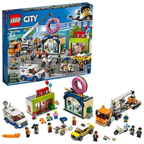 レゴ シティ LEGO City Donut Shop Opening 60233 Store Opening Build and Play with Toy Taxi, Van and Truck with Crane, Easy Build with Minifigures for Boys and Girls, New 2019 (790 Pieces)レゴ シティ