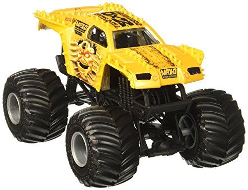 ホットウィール マテル ミニカー ホットウイール 【送料無料】Hot Wheels Monster Jam Max-D Vehicle, Gold 1:24 Scaleホットウィール マテル ミニカー ホットウイール