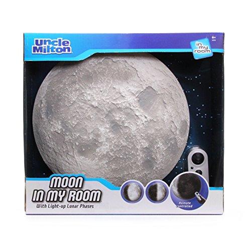 アンクルミルトン 知育玩具 科学 2056 【送料無料】Moon In My Room Remote Control Wall D?cor Night Light - Uncle Miltonアンクルミルトン 知育玩具 科学 2056