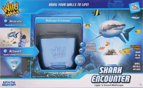 アンクルミルトン 知育玩具 科学 2185 In My Room Wild Walls Shark Encounter Wall Decal Light & Sound Show Room D?corアンクルミルトン 知育玩具 科学 2185