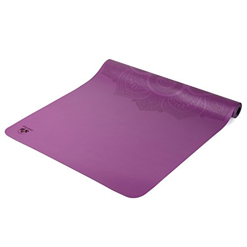 ヨガマット フィットネス 【送料無料】Folding Yoga Mat Light Weight Yoga Mat for Travel Mat EKO Superlite Travel Yoga Mat Ultralight Travel Yoga Mat Foldable Non Toxic Yoga Mat with Carrying Yoga Bag Adjustable Strap (Purpヨガマット フィットネス
