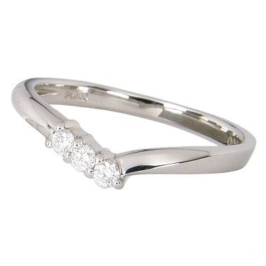【10%OFF】お買い物マラソンピンキーリング プラチナ ダイヤモンド 0.06ct V字 プラチナ900 Pt900 プラチナ ピンキー リング プラチナリング プラチナダイヤリング ダイヤ 3石 スリーストーン シンプル ハーフサイズ 指輪 小指 レディース 女性用