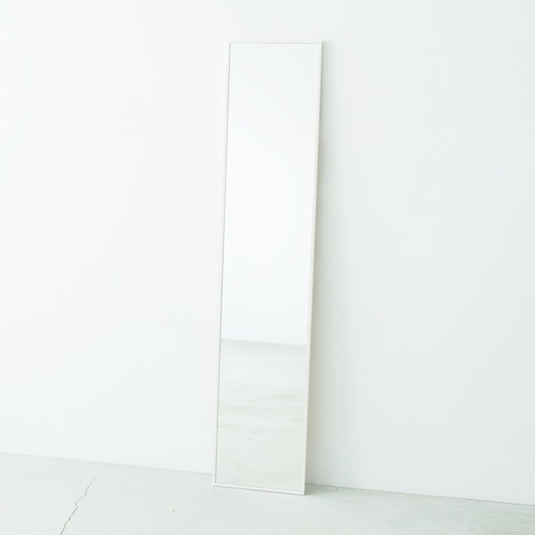 細枠ウォールミラー 幅32cm(ホワイト/白) 天然木/姿見鏡/スリム/高級感/木製/飛散防止加工/壁掛け/北欧風/日本製/完成品/NK-6