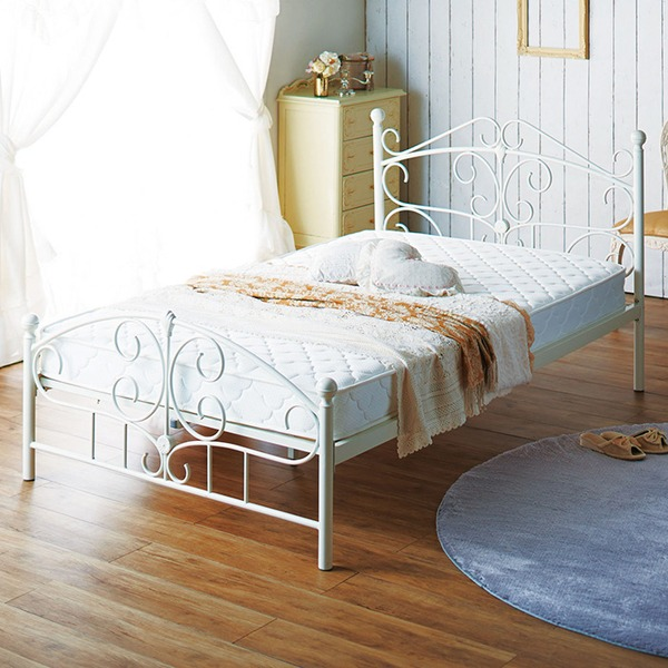 【フレーム単品】 アンティーク調アイアンベッド 【セミダブルサイズ】 ホワイト 床材:天然木 シャビーシック