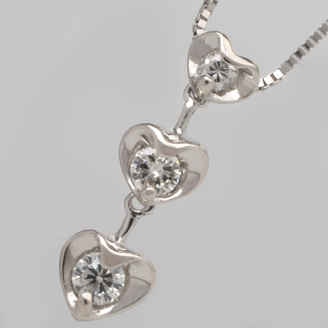 「あす楽対応」ハート スリーストーン 3石 ダイヤモンド ペンダント ネックレス K18WG「4P0100」【送料無料】 *