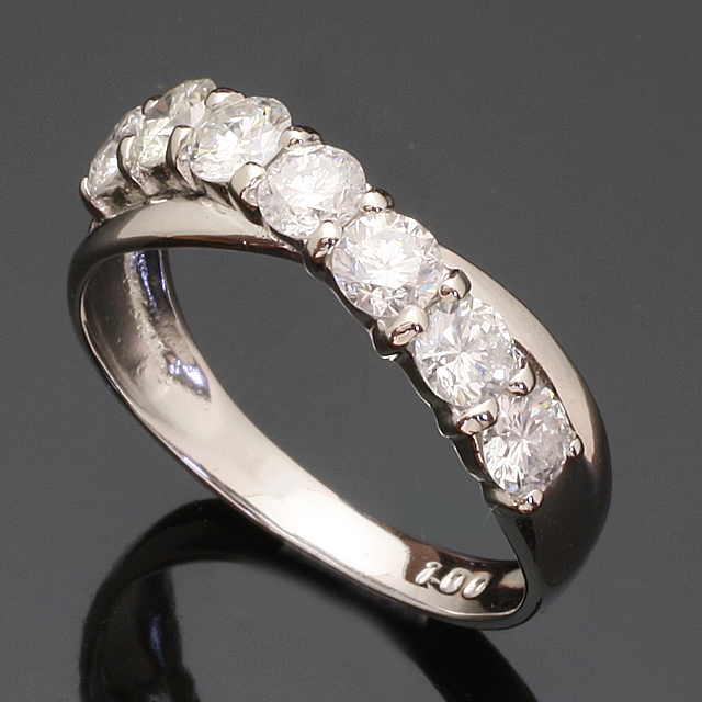 1.0ct 1列7石 ダイヤモンド リング K18WG ホワイトゴールド 2号~32号「93366W」【送料無料】 *