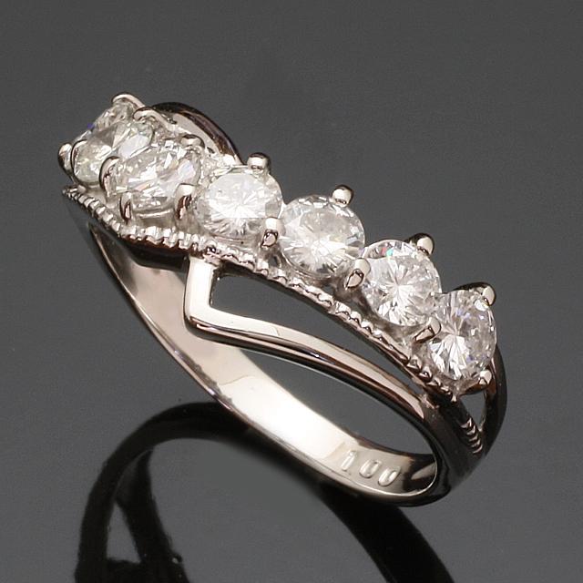V字デザイン 1.0ct ダイヤモンド リング K18WG 18金ホワイトゴールド 2号~32号 「93370W」【送料無料】 *