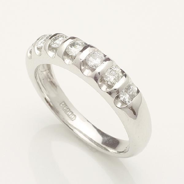 ハーフエタニティダイヤモンド リング 指輪Pt900 プラチナ 0.50ct レディース 重ねづけ プレゼント 「92232P」【送料無料】【品質保証書付】 *