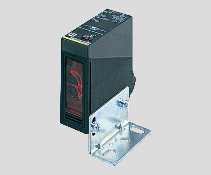 光電センサーE3JM-R4M4T