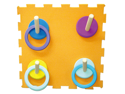 【送料無料】【無料健康相談 対象製品】どこでもわなげ 壁面用 【安心の知育玩具 一歩(はじめ)社製】