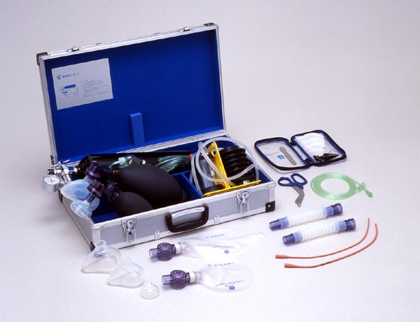 【無料健康相談 対象製品】酸素吸入救急蘇生セット(一般救急用)携帯用蘇生器 ACICR-OX-FP 【高度管理】【02P06Aug16】