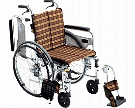 【送料無料】自走式車いす スキット4 SKT-4 座幅40 ♯A-6 ミキ 【非課税】 W1185【02P06Aug16】