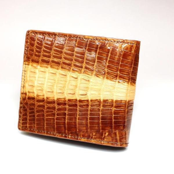 カイマンワニ革独特のウロコ表情(ボンベイ)が魅力の二つ折れ財布 214SP ブラウン