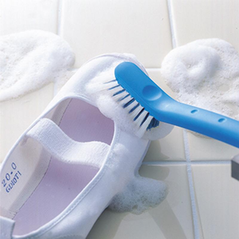 マーナ公式 MARNA 2020モデル マーナ 泡立ちの良いW植毛と細かく洗えるかき出しブラシで 泥んこ汚れもすっきり シューズ W340 ※アウトレット品 靴 小学生 ブラシ 上履き わんぱくシューズブラシ