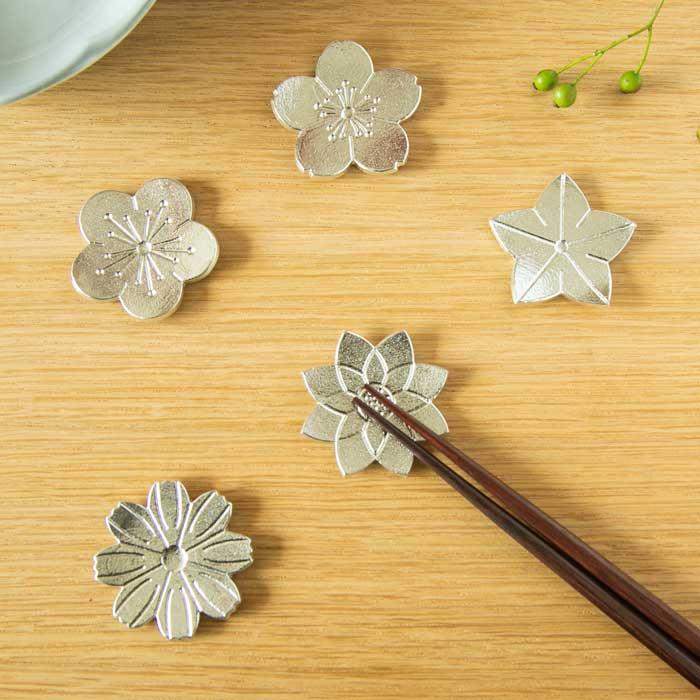 食卓に咲く花の箸置 能作 メーカー直営 売買 箸置 花ばな 正規品 - 5ヶ入
