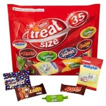 英国より直送 誕生日/お祝い Nestle Treatsize Bag 35 Pack ネッスル ファミリー 正規販売店 トリート 海外直送 サイズ 35パック入り 並行輸入品