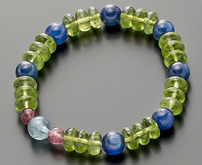 【10%割引クーポン配布中】 数珠ブレスレット ペリドット・カイヤナイト・トルマリン 天然石 桐箱入