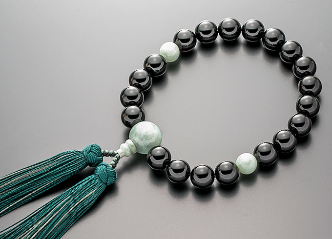 【10%割引クーポン配布中】 数珠 男性用 念珠 略式数珠 黒オニキス 翡翠仕立 正絹房 全宗派対応 桐箱入