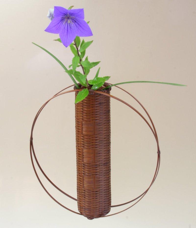 竹製 掛花籠 「風の音」15-154 モダンな掛花籠