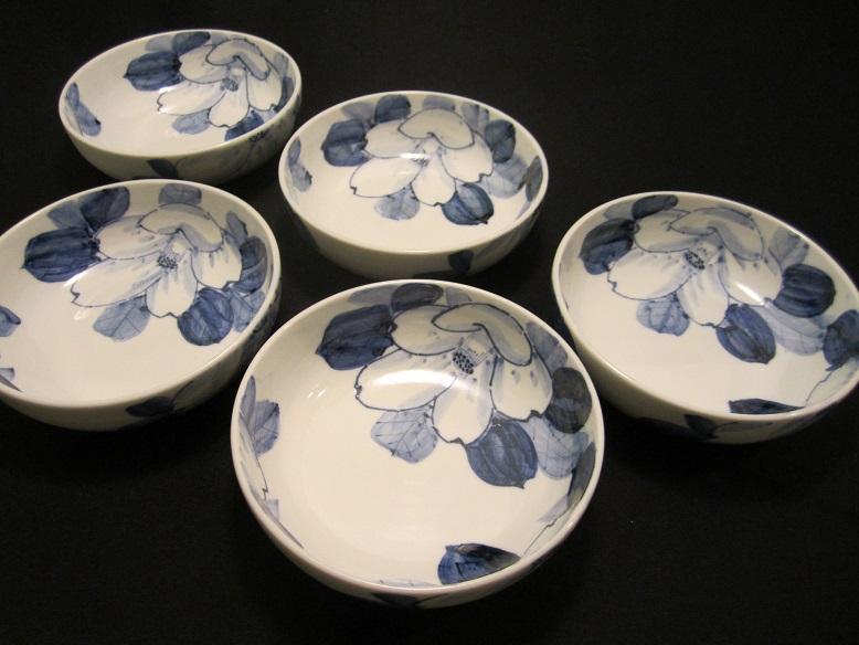 【九谷焼】 4.5号 小鉢揃(鉢、小鉢、中鉢、お客様用 お皿 セット) 染付山茶花