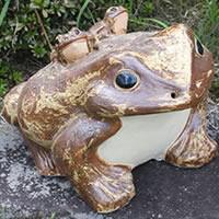 【P5倍以上】信楽焼 和風 おしゃれ  15号蛙 縁起物 カエル お庭 玄関 陶器 蛙 かえる  幸せ 子宝 健康 ka-0007 お買い物マラソン
