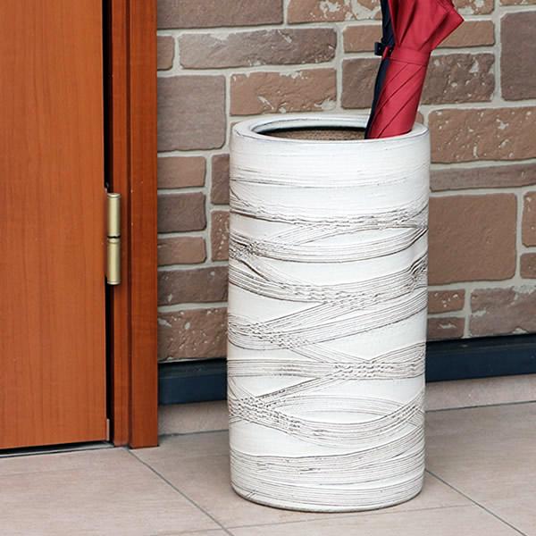 信楽焼 和風 おしゃれ 傘立て 陶器 かさたて 傘入れ アンブレラスタンド 壷 しがらき カサタテ 玄関 インテリア 玄関 花器 花瓶 くし目模様傘立て kt-0232