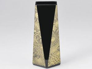【越前漆器】 菊彫 花器 黒/漆器・おもてなし・花台・花器・花瓶置き・贈り物・御祝・御礼・お返し