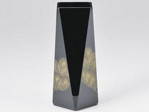 【越前漆器】 沈金松 花器 黒/漆器・おもてなし・花台・花器・花瓶置き・贈り物・御祝・御礼・お返し