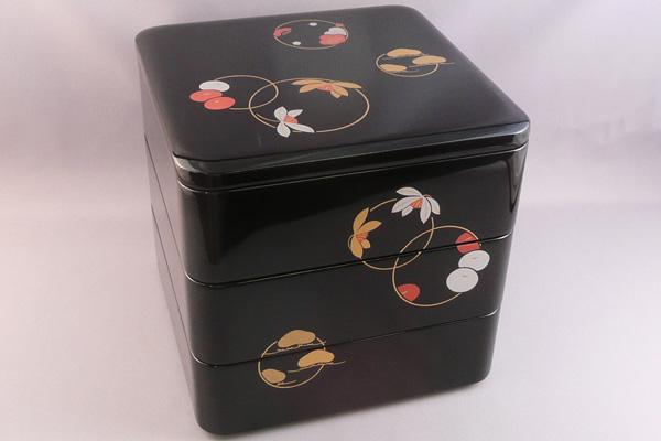 【越前漆器 重箱】木製手塗漆 花丸蒔絵 三段重